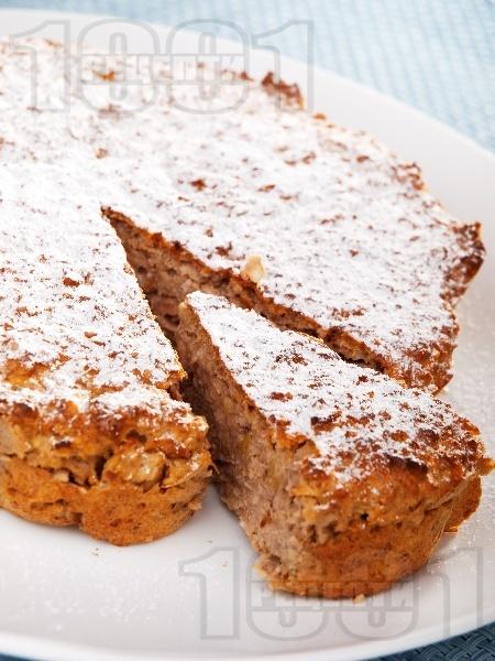 Сладък кекс с орехи и ябълки без захар - снимка на рецептата